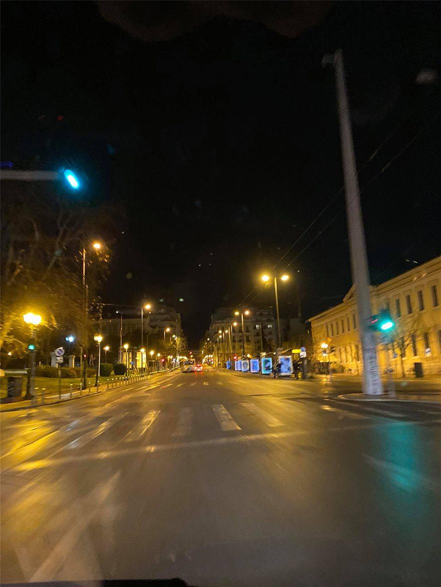 Σάββατο βράδυ: Πόλη-φάντασμα η Αθήνα - Φωτογραφία 3