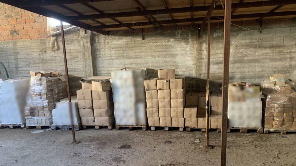 Χειροπέδες για χιλιάδες λίτρα παράνομων φυτοφάρμακών από τη Βουλγαρία -Φωτος - Φωτογραφία 1