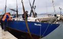 Επιχείρηση ανέλκυσης βυθισμένου σκάφους από το λιμάνι της ΒΟΝΙΤΣΑΣ, με πρωτοβουλία του Δημοτικού Λιμενικού Ταμείου!