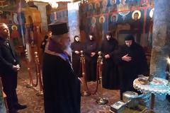 Σπάνιο εκκλησιαστικό γεγονός στην Αιτωλοακαρνανία: περιοδεία του Μητροπολίτη με λείψανα Αγίων για τον κορονοϊό