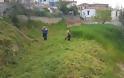 Καθαρισμός χόρτων σε όλο το Αγράμπελο  για τις Άγιες μέρες του Πάσχα