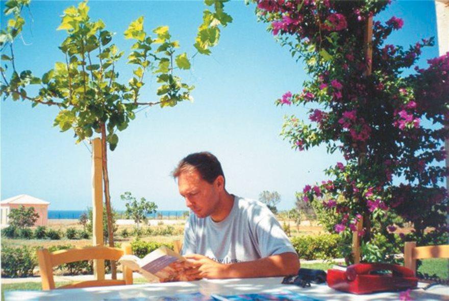 Γιάννης Στουρνάρας: Η μέρα που «έκοψε» με τον Τσίπρα - Φωτογραφία 7
