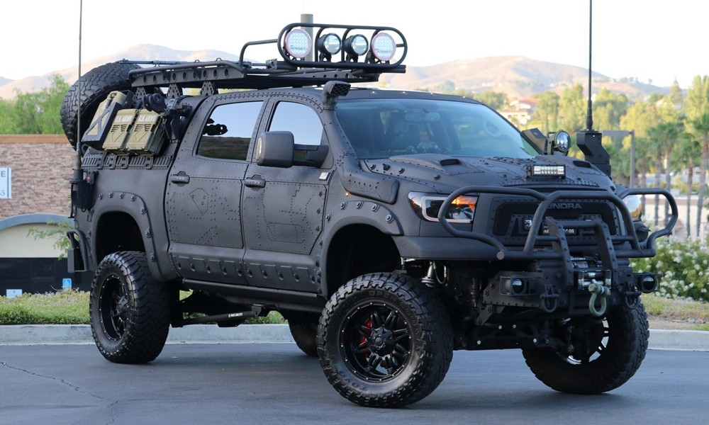Toyota έτοιμο για…πόλεμο - Φωτογραφία 1