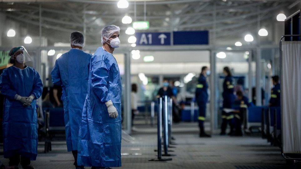 Τι δείχνουν τα στοιχεία για τα «εισαγόμενα» περιστατικά - Αγωνία για τα 4.500 τεστ στα αεροδρόμια - Φωτογραφία 1