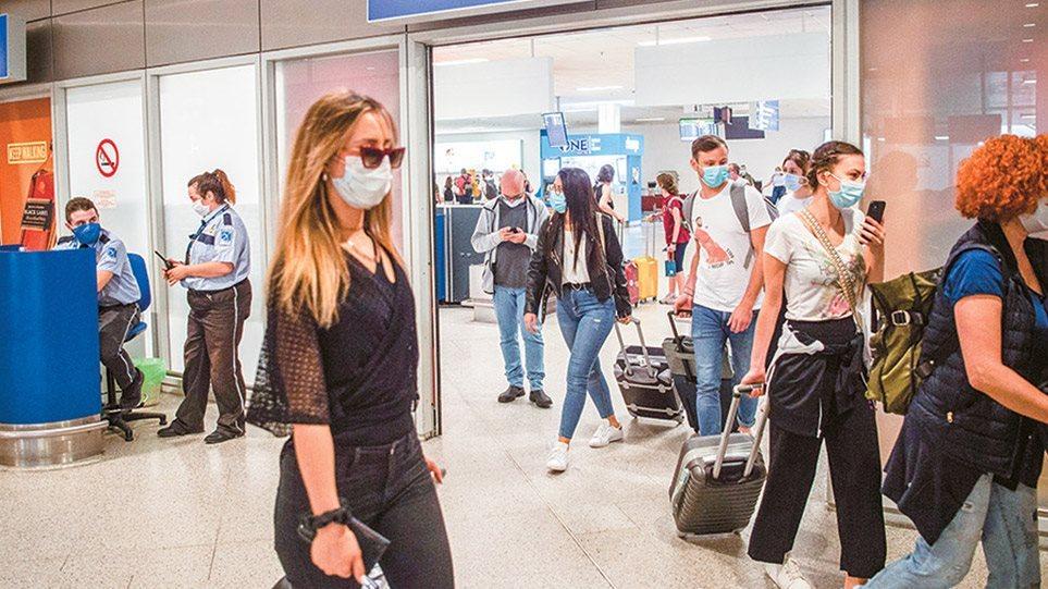 Οι τουρίστες φέρνουν τον ιό στην Ελλάδα, γράφει η Handelsblatt - Φωτογραφία 1