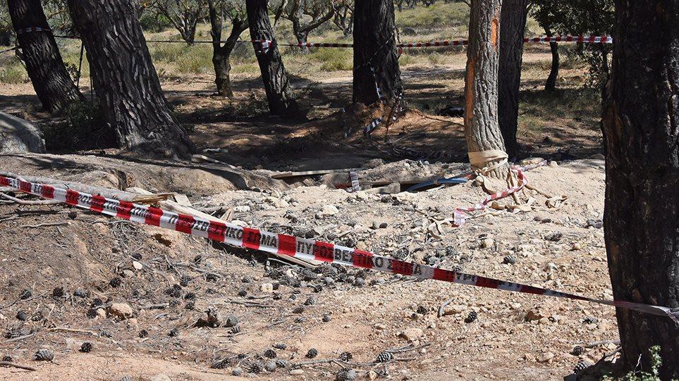 Βαρυμπόμπη: Τραγωδία με τρεις νεκρούς στο κυνήγι του «χαμένου θησαυρού» - Φωτογραφία 1