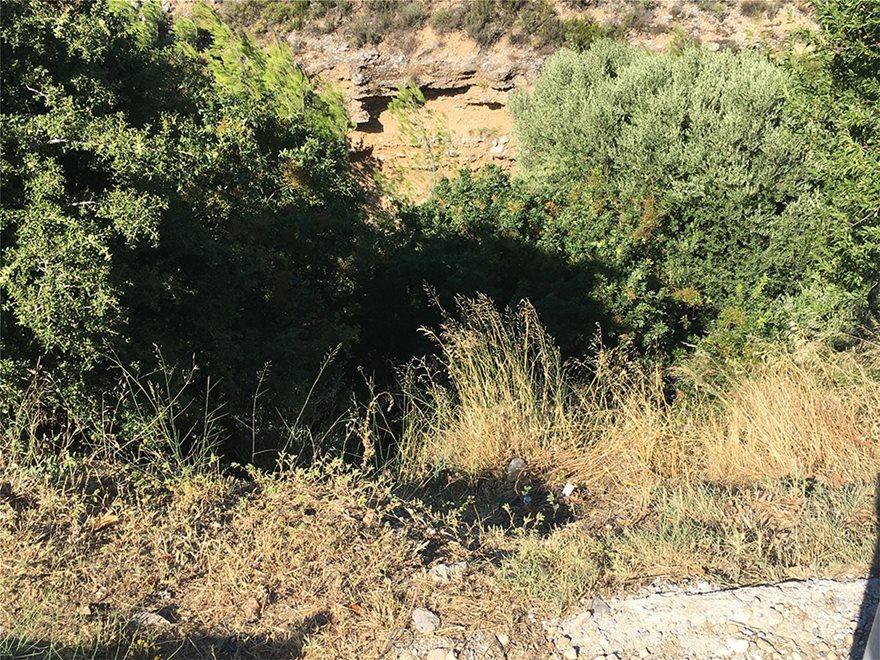 Βαρυμπόμπη: Τραγωδία με τρεις νεκρούς στο κυνήγι του «χαμένου θησαυρού» - Φωτογραφία 10