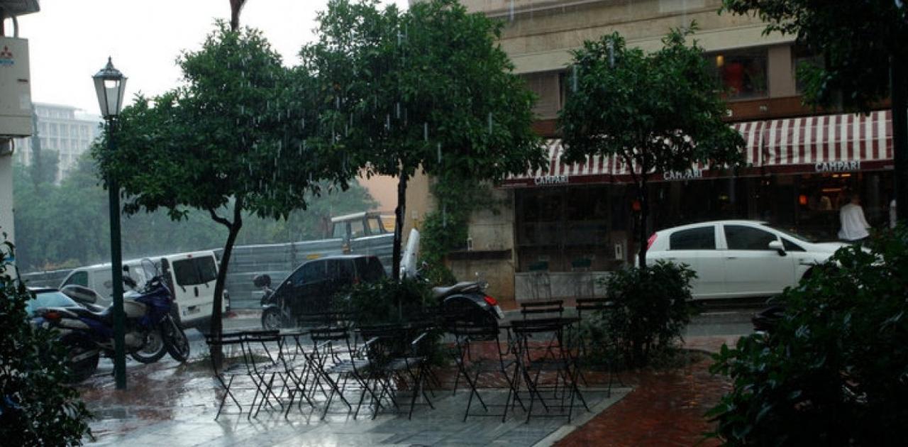 Καταιγίδες σημειώνονται το απόγευμα του Σαββάτου στην Αττική, παρά το κύμα ζέστης σε όλη τη χώρα - Φωτογραφία 1