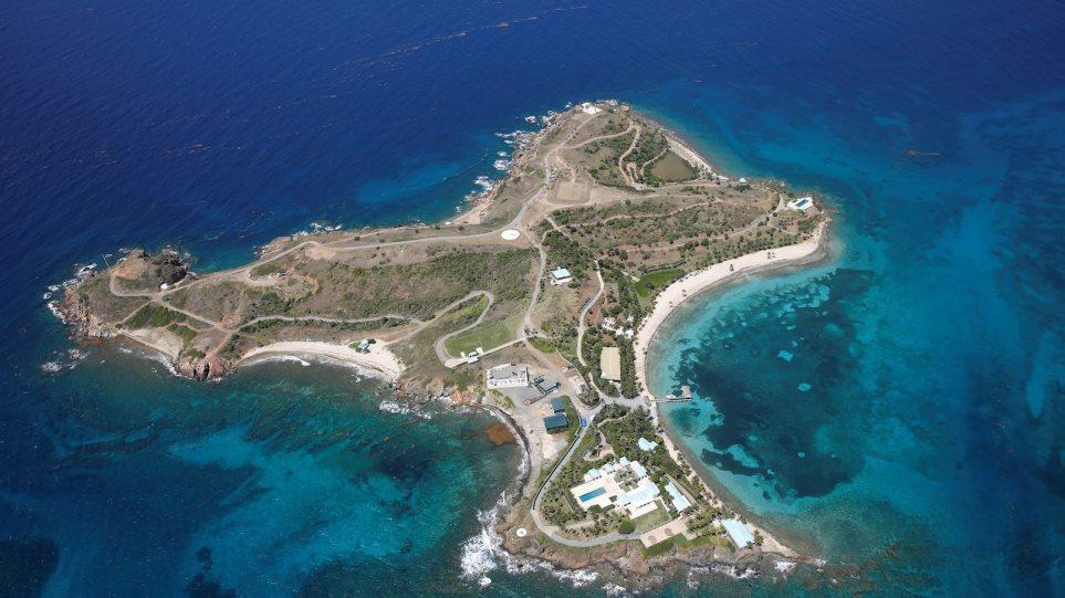 Γκισλέιν Μάξγουελ: Περιγραφές για όργια με ανήλικες στο νησί του Έπσταϊν! - Φωτογραφία 1