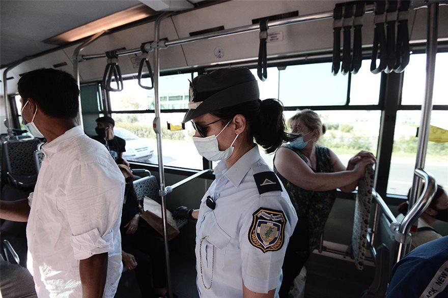 Μπλόκα και εντατικοί έλεγχοι στα Μέσα Μεταφοράς για τη μάσκα - Φωτογραφία 3