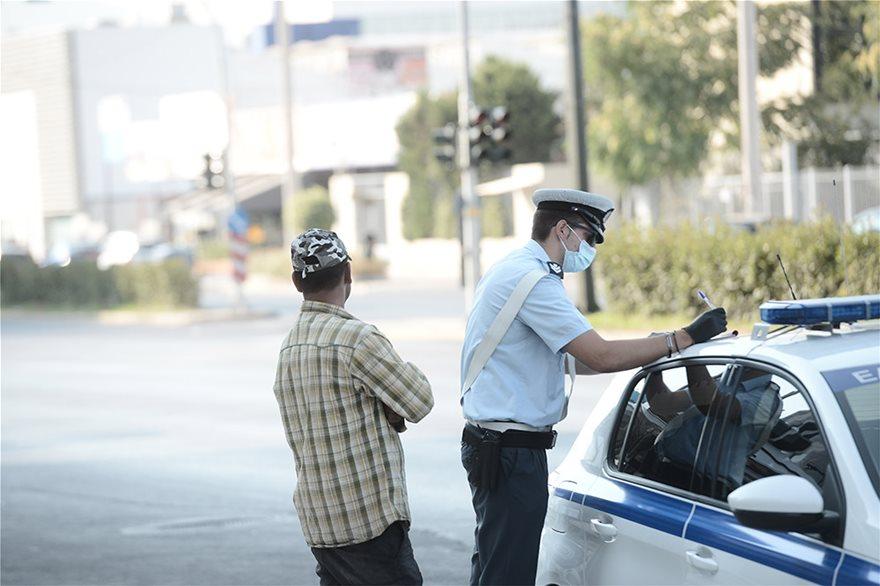 Μπλόκα και εντατικοί έλεγχοι στα Μέσα Μεταφοράς για τη μάσκα - Φωτογραφία 6
