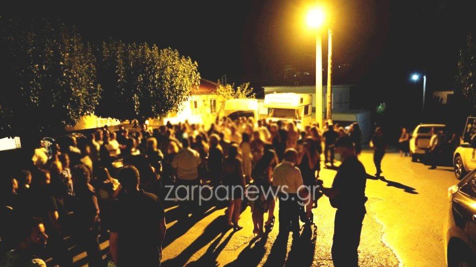 Κρήτη: Γλέντι... στη μέση του δρόμου σε γάμο με 1.800 καλεσμένους - Φωτογραφία 1