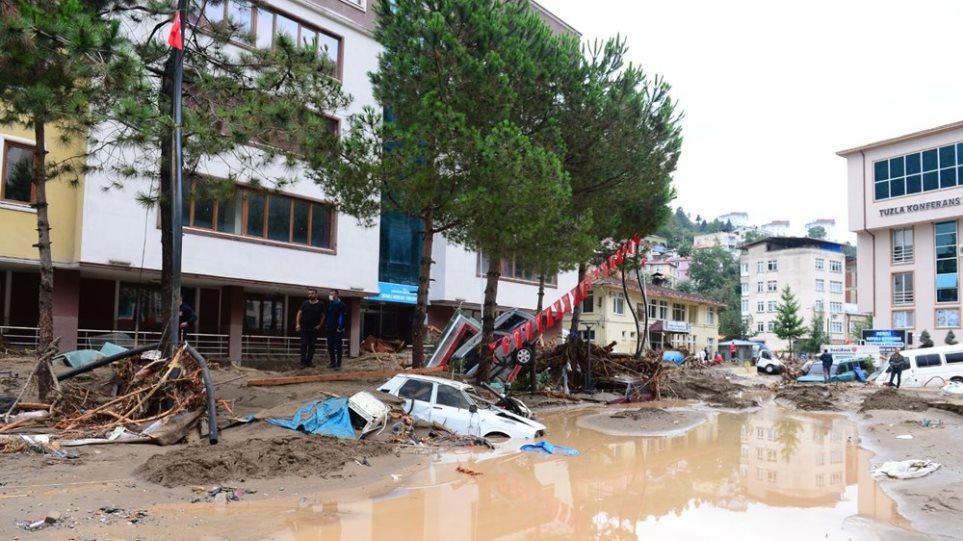 Τουρκία: Πέντε νεκροί από τις πλημμύρες - Φωτογραφία 1