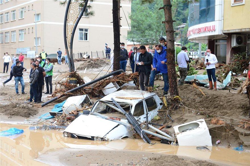 Τουρκία: Πέντε νεκροί από τις πλημμύρες - Φωτογραφία 2