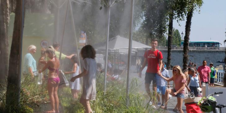 Η Κύπρος ψήνεται με 45 βαθμούς Κελσίου και η έναρξη της νέας σχολικής χρονιάς αναστέλλεται - Φωτογραφία 1