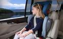 Νέος ΚΟΚ: Σε ειδικό κάθισμα έως 12 ετών στο αυτοκίνητο Μετά τα 16 τα παιδιά σε μηχανάκι