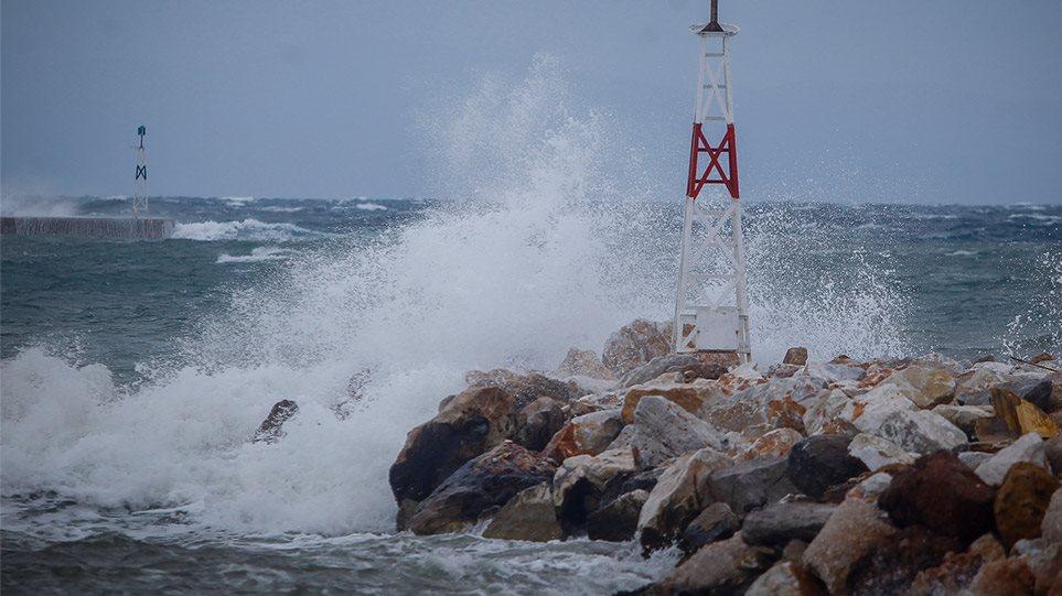 Απότομη μεταβολή του καιρού: Πτώση θερμοκρασίας, θυελλώδεις άνεμοι και πιθανότητα Μεσογειακού κυκλώνα - Φωτογραφία 1