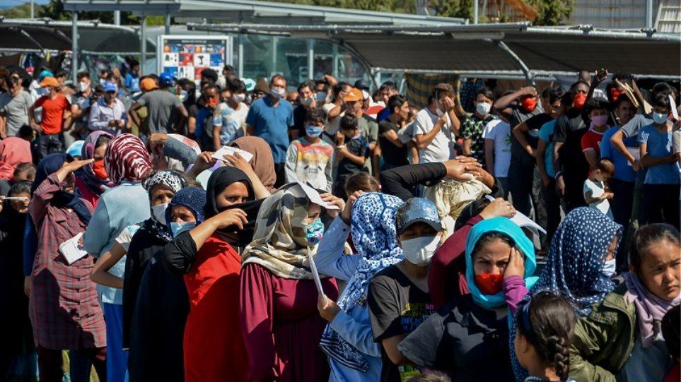 Γερμανία: Βολές από παντού δέχεται η Μέρκελ για την υποδοχή προσφύγων από την Ελλάδα - Φωτογραφία 1