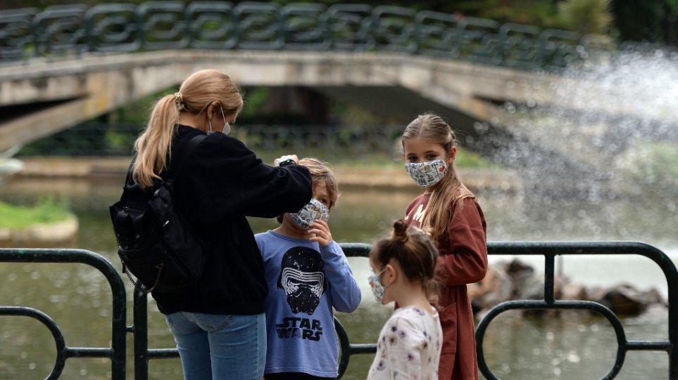 Οι ενήλικοι ασυμπτωματικοί φορείς μεταδίδουν τον ιό δέκα φορές περισσότερο - Φωτογραφία 1