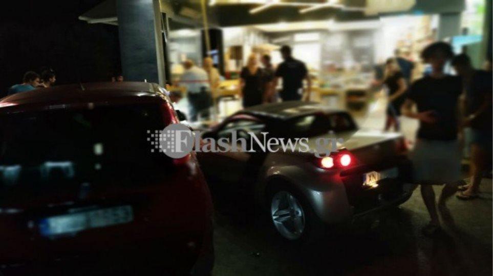 Μπούκαρε με αυτοκίνητο σε κατάστημα για να χτυπήσει συμπατριώτη του-φωτος - Φωτογραφία 1