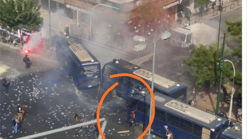 Δίκη Χρυσής Αυγής: «Ογανωμένο σχέδιο μπαχαλάκηδων» λέει η Αστυνομία για τα επεισόδια στο Εφετείο - Φωτογραφία 1