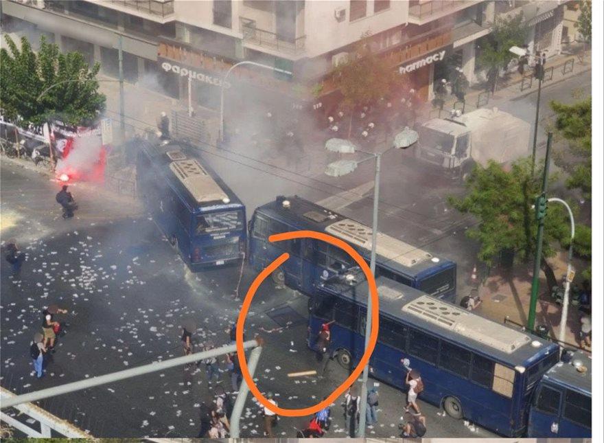 Δίκη Χρυσής Αυγής: «Ογανωμένο σχέδιο μπαχαλάκηδων» λέει η Αστυνομία για τα επεισόδια στο Εφετείο - Φωτογραφία 3