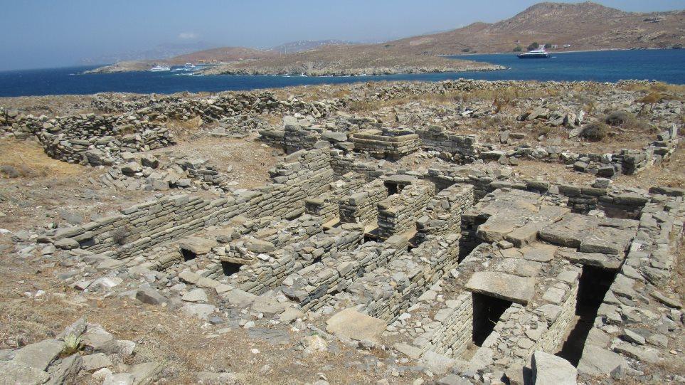 Ρήνεια: Τον τόπο καραντίνας του 19ου αιώνα «φωτίζουν» οι αρχαιολόγοι - Φωτογραφία 1