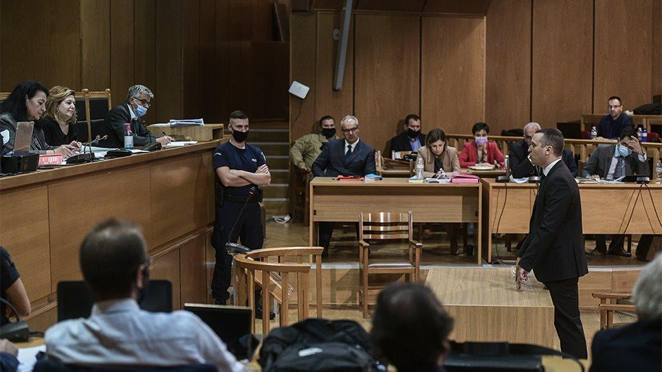 Δίκη ΧΑ - Μιχαλολιάκος: Το μόνο που έκανα, ήταν που σήκωνα το δεξί χέρι - Φωτογραφία 1