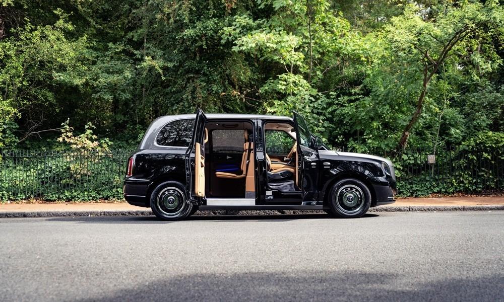 Λονδρέζικο ταξί VIP's - Φωτογραφία 2