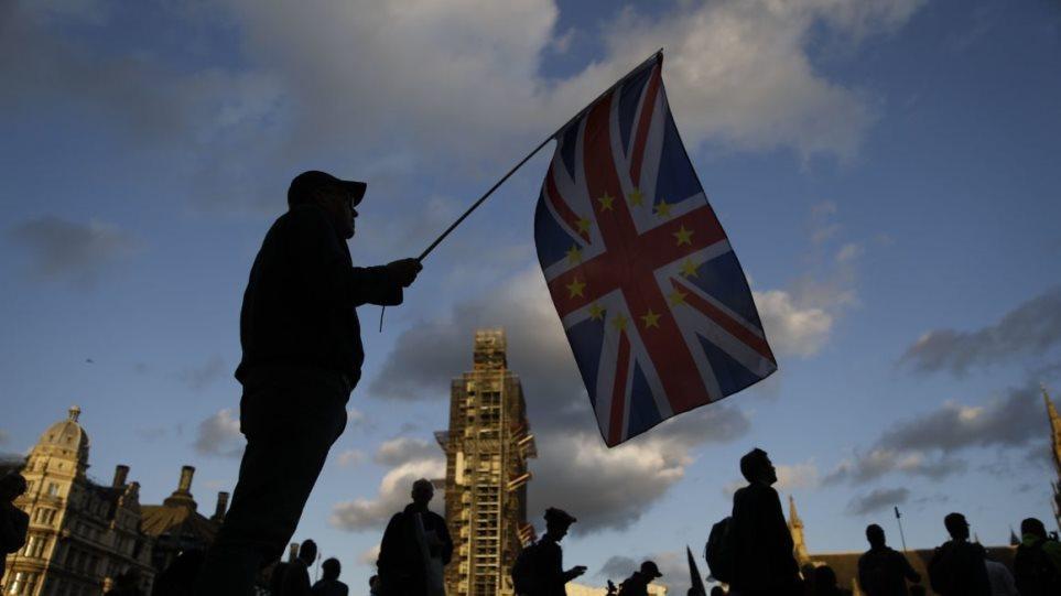 Brexit: Χωρίς νόημα η διαπραγμάτευση αν δεν αλλάξει η στάση της ΕΕ, λέει η Βρετανία - Φωτογραφία 1