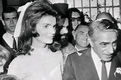 Αριστοτέλης Ωνάσης - Τζάκι Κένεντι: 52 χρόνια από τον γάμο του αιώνα