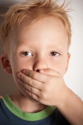 Πώς εμφανίζεται ο τραυλισμός και σε ποια ηλικία; Τι θα πρέπει να γνωρίζουν οι γονείς; Παγκόσμια Ημέρα για τον Τραυλισμό - Φωτογραφία 3
