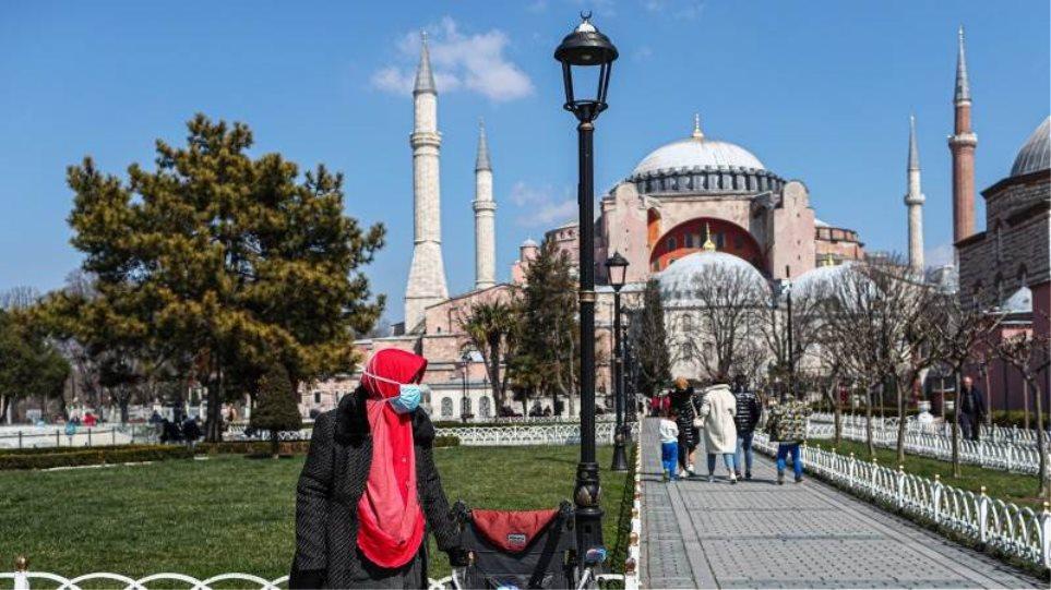 Τουρκία: Μεγαλώνει η ανησυχία - Στην Πόλη το 40% των κρουσμάτων - Φωτογραφία 1