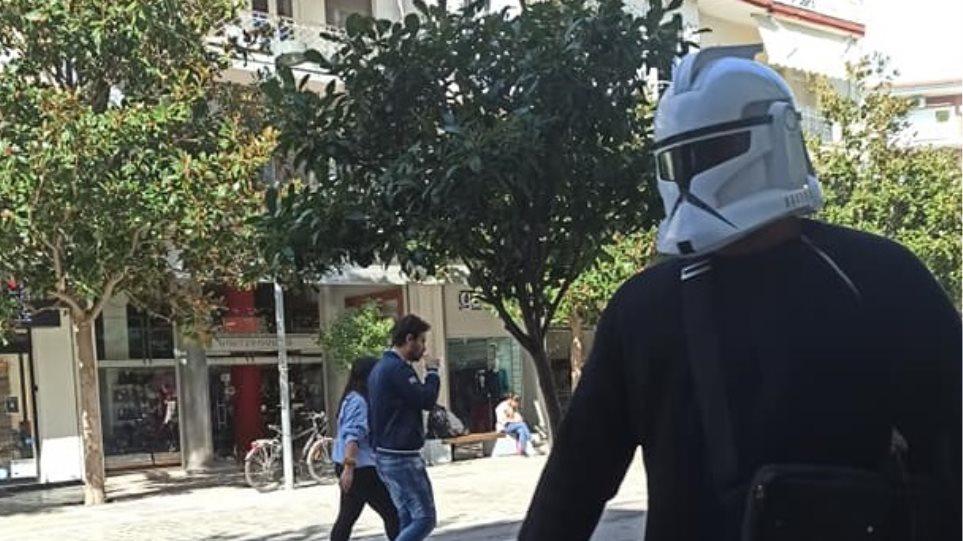 Σέρρες: Με μάσκα... StarWars στη μάχη κατά του κορωνοϊού - Φωτογραφία 1