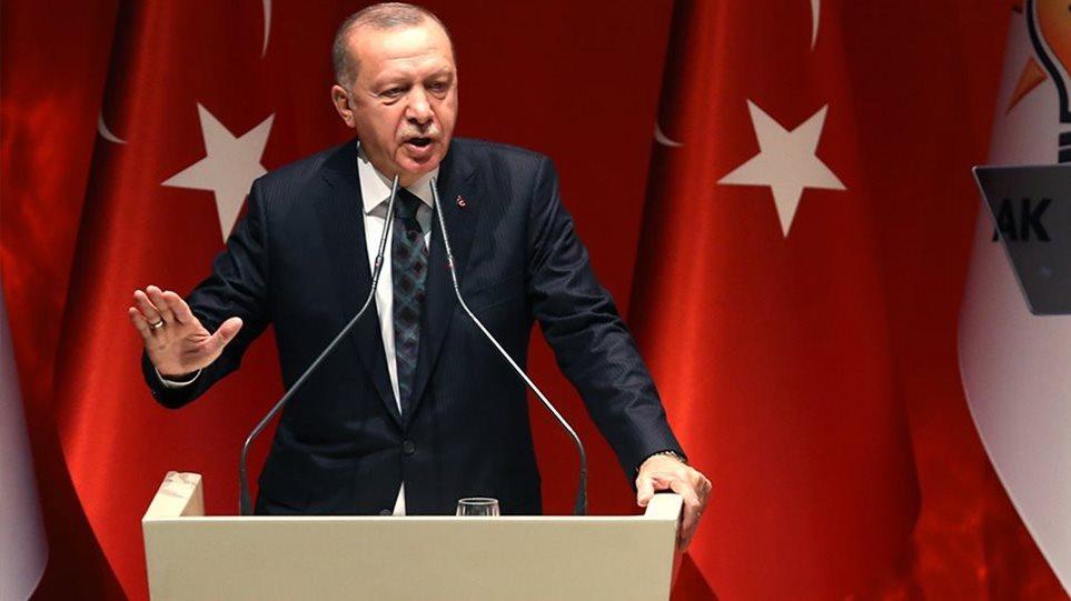 Τουρκία μετά την ανάκληση του πρέσβη στο Παρίσι: Εμείς καταδικάσαμε τον αποκεφαλισμό του καθηγητή - Φωτογραφία 1