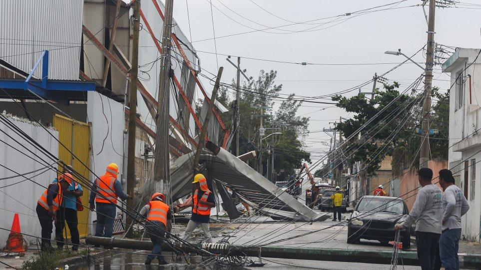 ΗΠΑ: Ο τυφώνας Ζέτα... χτυπάει με ανέμους 200 χιλ/ώρα τις ακτές της Λουιζιάνας - Φωτογραφία 1