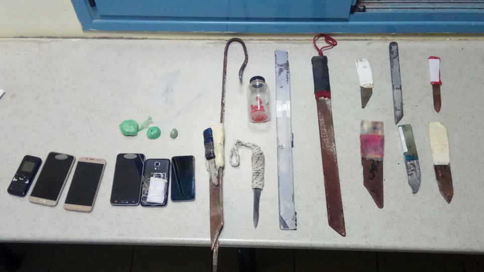 Ναρκωτικά, μαχαίρια, σουβλιά και μηχανές τατουάζ βρέθηκαν στις φυλακές Δομοκού - Φωτογραφία 1