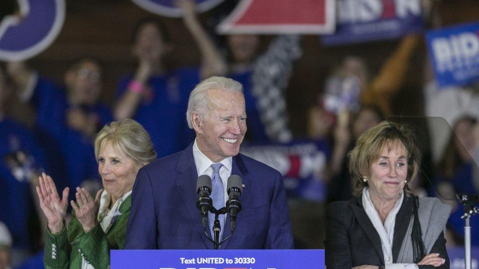Βάλερι Μπάιντεν: Ποια είναι η αδελφή και «εξ απορρήτων» του νέου προέδρου των ΗΠΑ - Φωτογραφία 1