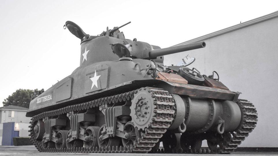 Sherman M4A1  IXE - Φωτογραφία 1