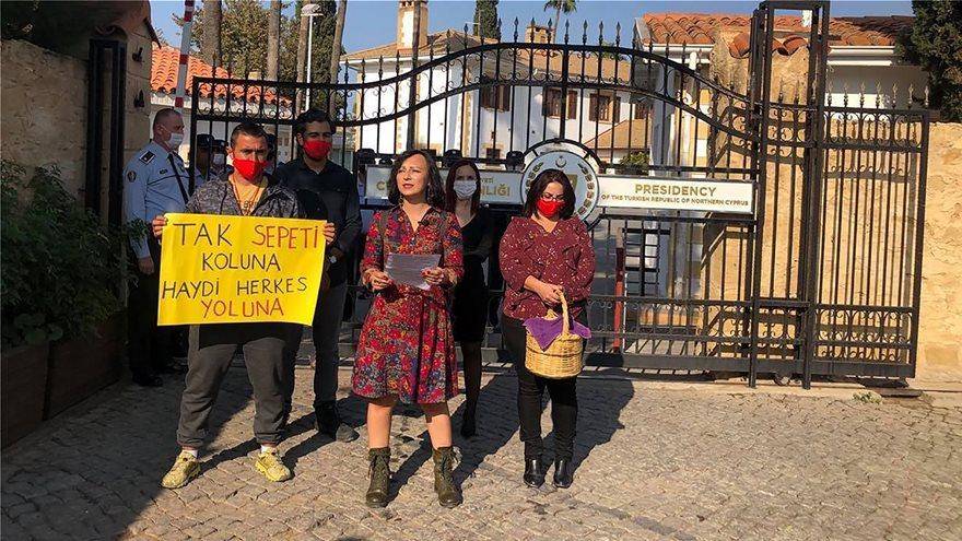 Τουρκική πρόκληση χωρίς προηγούμενο: Σήμερα το κιτς show με πικ νικ στην Αμμόχωστο - Φωτογραφία 2