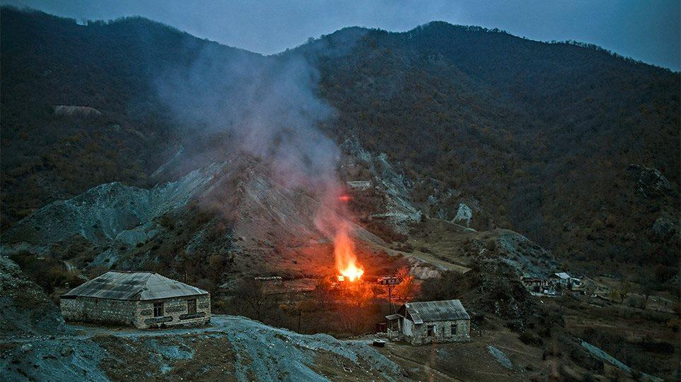 Ναγκόρνο Καραμπάχ: Καμένη γη μετά τη συμφωνία- Οι κερδισμένοι και οι χαμένοι - Φωτογραφία 1