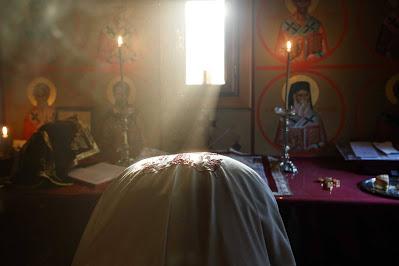 Θαύματα και Θεία Λειτουργία: «Δικαίω νόμος ού κείται» - Φωτογραφία 1