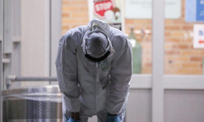 Κορονοϊός: Άλλοι πηγαίνουν εθελοντές και αυτοί που διορίζονται … φεύγουν – Βροχή παραιτήσεων επικουρικού προσωπικού στο ΕΣΥ - Φωτογραφία 1