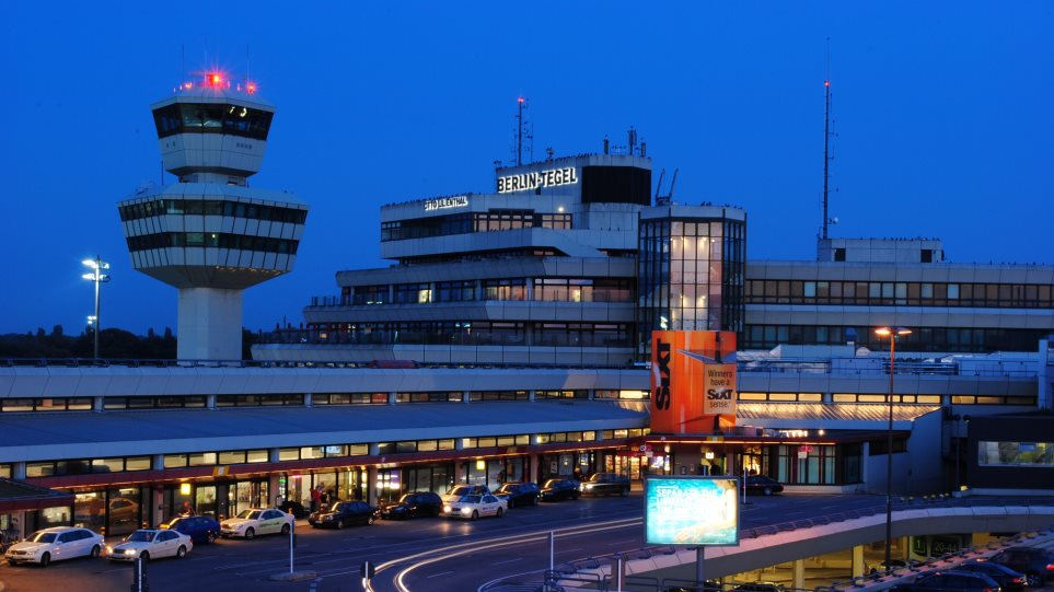 Δραστικές περικοπές στο νέο αεροδρόμιο Βερολίνου: Κλείνει ο νότιος διάδρομος και ένας τερματικός σταθμός - Φωτογραφία 1