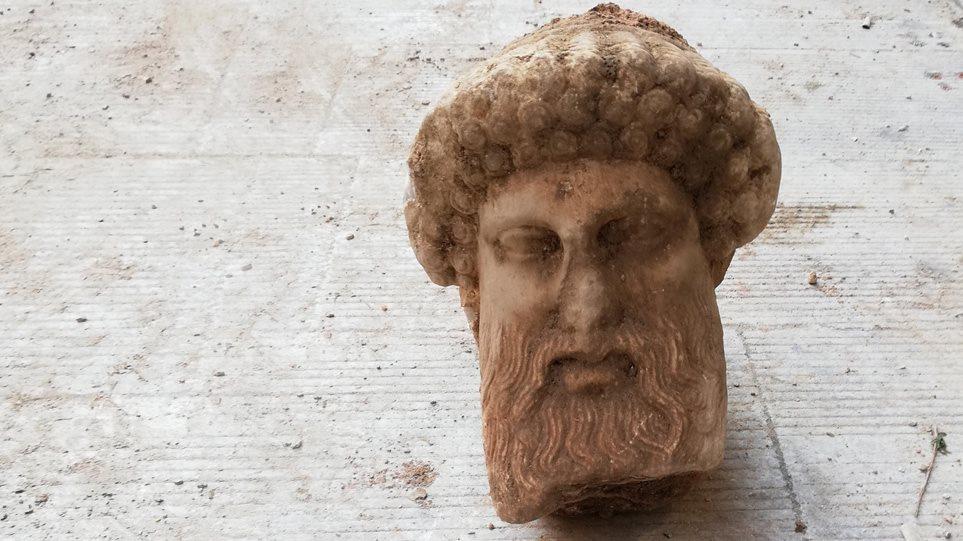 Τα μυστικά του Ερμή: Πώς βρέθηκε, 2.400 χρόνια μετά, από την Ακρόπολη στην αποχέτευση της Αιόλου - Φωτογραφία 1