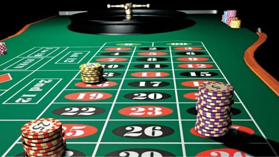 Έκαναν καζίνο ένα κλειστό ξενοδοχείο στην Χερσόνησο - Φωτογραφία 1