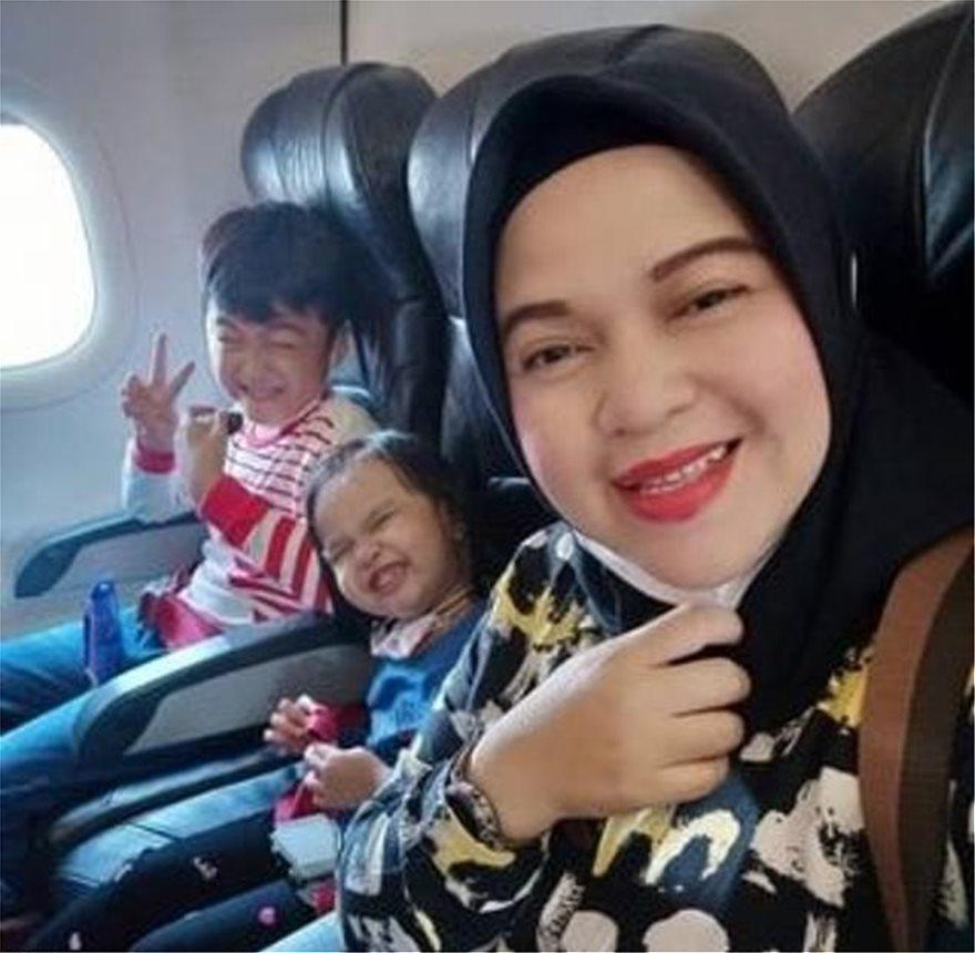Ινδονησία: Το συγκλονιστικό μήνυμα μιας μητέρας - «Αντίο οικογένεια, πάμε σπίτι τώρα» - Φωτογραφία 2