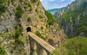 Διασχίζοντας το φαράγγι του Ασωπού  και το περίφημο Μονοπάτι των Σιδηροδρομικών. Δείτε τις φωτογραφίες. - Φωτογραφία 7