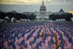 Ορκωμοσία Μπάιντεν: Με αλεξίσφαιρα οι δημοσιογράφοι - «Θάλασσα» από σημαίες στο Καπιτώλιο - Εντυπωσιακές εικόνες