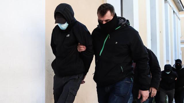Ξυλοδαρμός σταθμάρχη: «Μισή» μεταμέλεια από τους δύο ανήλικους - Επιμένουν ότι τους προκάλεσε ο 53χρονος - Φωτογραφία 1